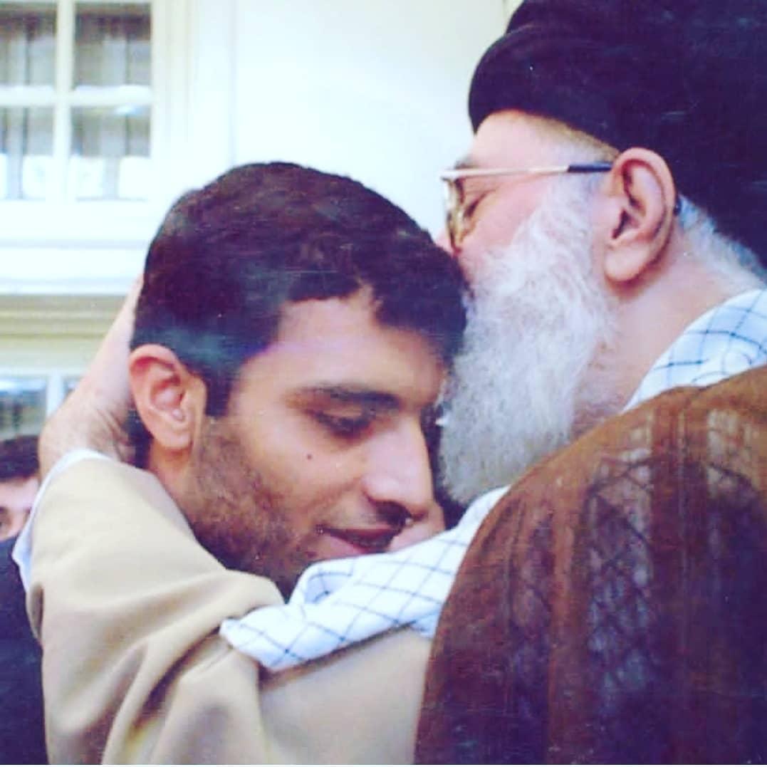 رسول محمد قلی کانون نخبه در آغوش رهبری